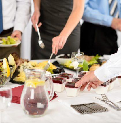 Des buffets et cocktails réussis grâce à notre service de traiteur en entreprise